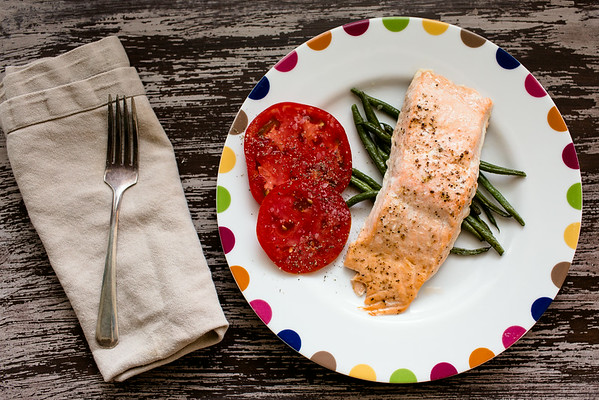 Roasted salmon and green beans | Sidewalk Shoes