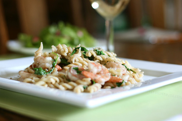 Pasta with Shrimp and Arugula