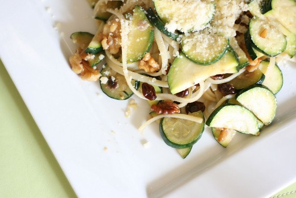 Spaghetti with Zucchini, Walnuts, and Raisins