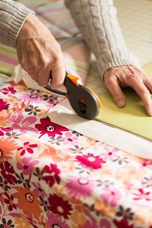 Cutting fabric for DIY placemat #WaysToWow