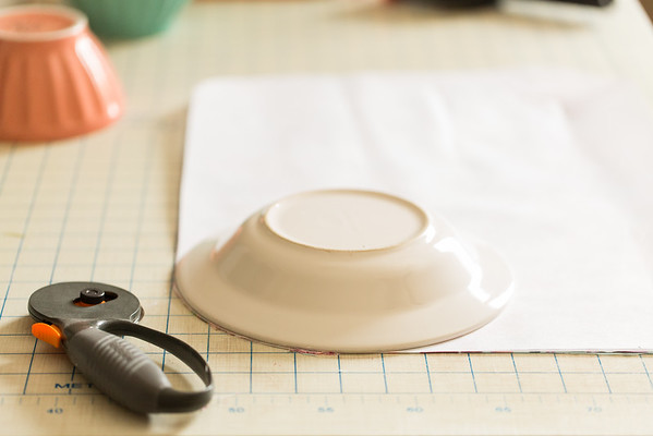 Cutting rounded corners in DIY Placemats for #waystowow