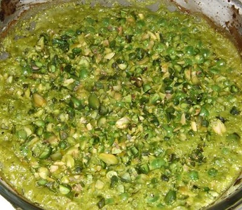 Peas with Pistchio and Parsley Sauce