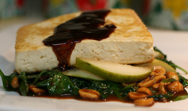 Pan-Fried Tofu with Spinach, Pear, and Star Anise