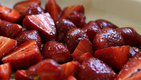 Roasted Strawberries and Goat Cheese Sals