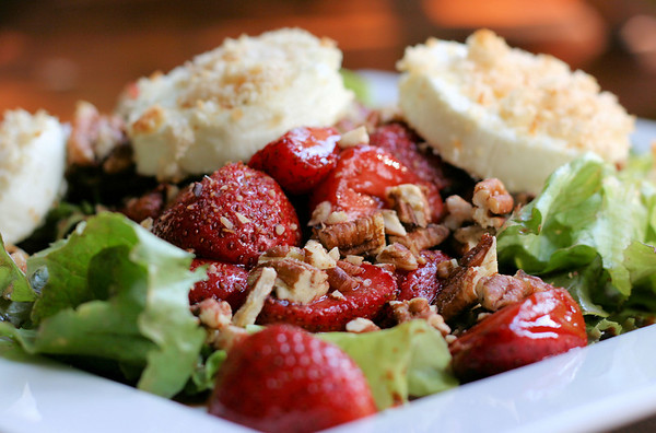 Roasted Strawberries and Goat Cheese Salad