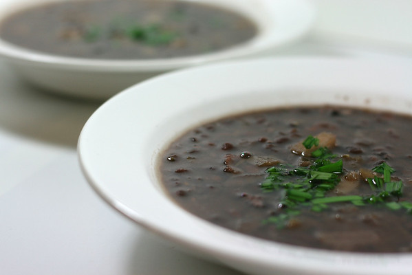 Black Bean Soup with Apple