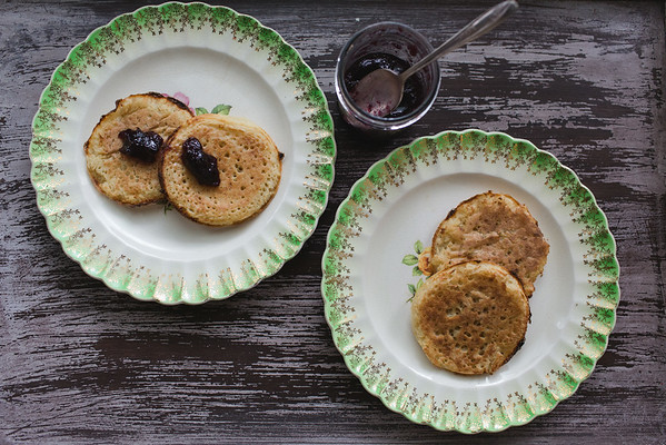 Sourdough Crumpets - ways to use up your starter | Sidewalk Shoes