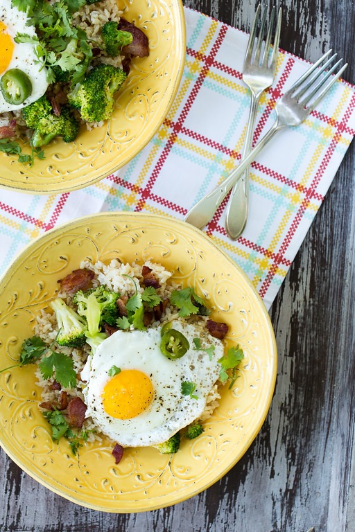 Bacon, Broccoli, and Egg Rice Bowl - crispy bacon, crisp tender broccoli and a fried egg make an easy one dish meal!