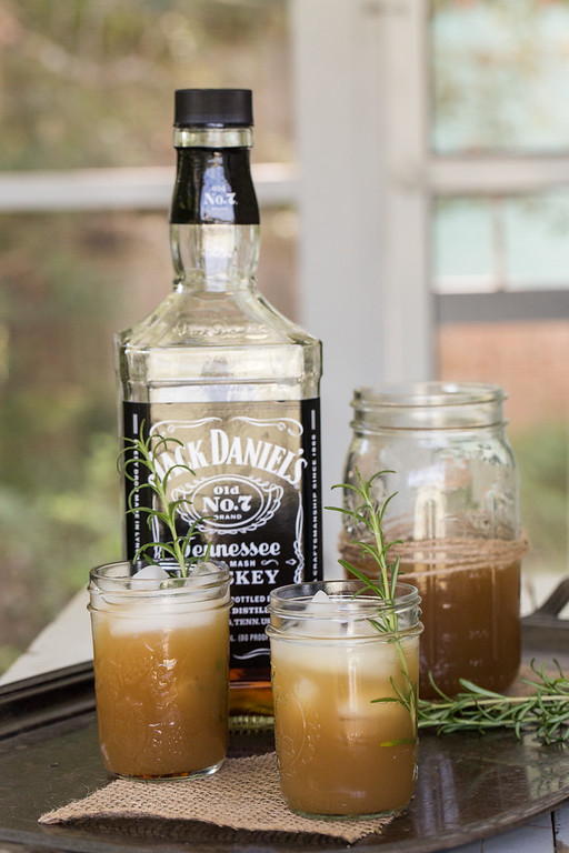 Apple and Rosemary Whiskey Cocktail with Jack Daniels