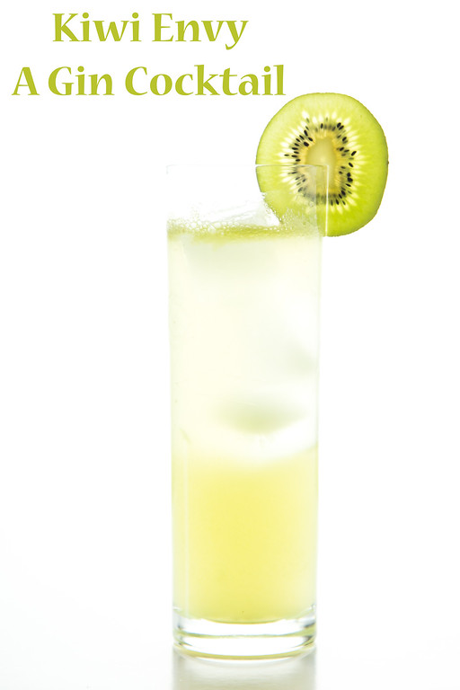 Kiwi Envy - a light and refreshing kiwi gin cocktail