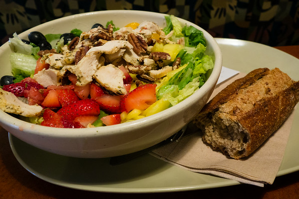 Strawberry, Poppyseed and Chicken Salad | Grey is the New Black