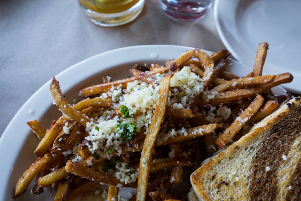 Beast & Barrel | Eating Out in Chattanooga - Grey is the New