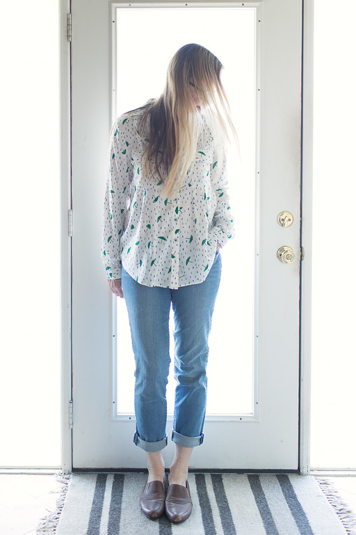 Maeve Asheville Button Down from Anthropologie, Kut from the Kloth jeans, and Raffini shoes