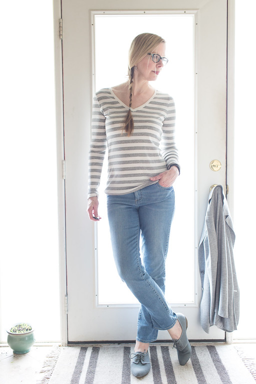 Mossimo gray striped long sleeve t-shirt for early spring dressing